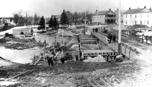 Hinchley 117 - Construction of Dam Across Bonnechere St.